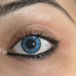 Mit farbigen Kontaktlinsen lässt sich die natürliche Augenfarbe unterstützen