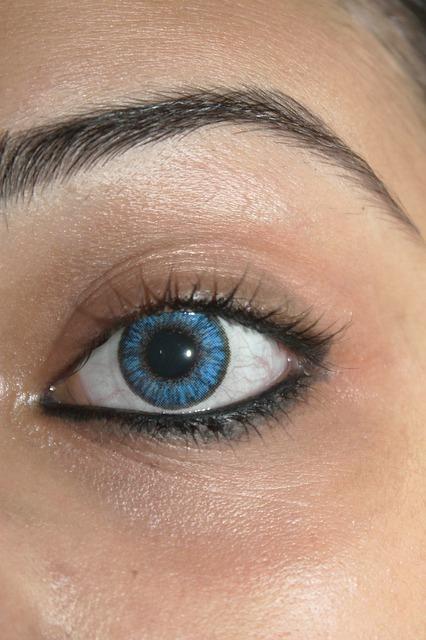 farbige kontaktlinsen einfach eine neue augenfarbe. Black Bedroom Furniture Sets. Home Design Ideas