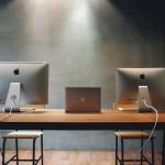 Edler Schreibtisch als Blickfang
